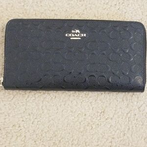 Signature Coach leather accordion wallet